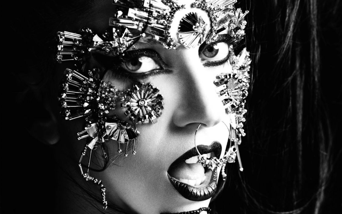 gothic mask faces black-and-white b/w women girls style artistic eyes lips wallpaper