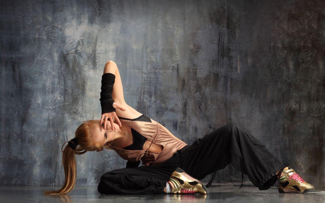 women females girls sexy sensual dance dancing hip-hop wallpaper