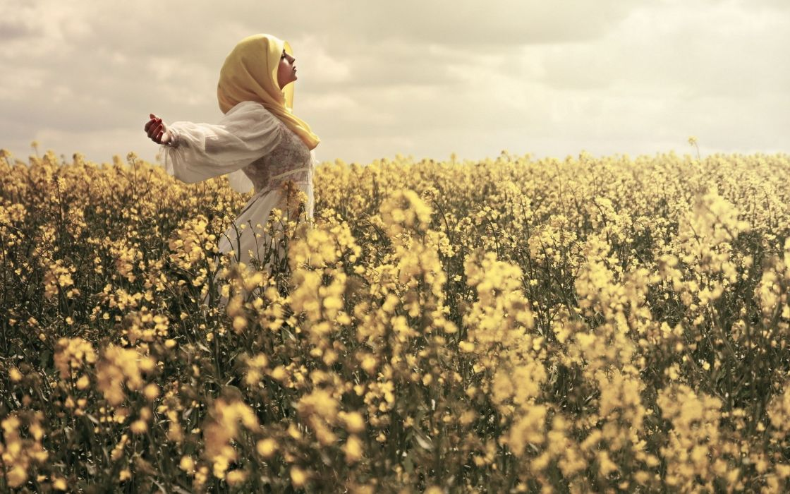 nature landscapes fields plants flowers sky skies clouds cloudy scarf dress mood emotion women females girls style wallpaper