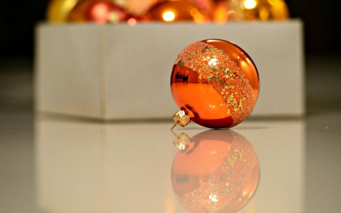 holidays christmas ornament decoration shine reflection glass box photography wallpaper