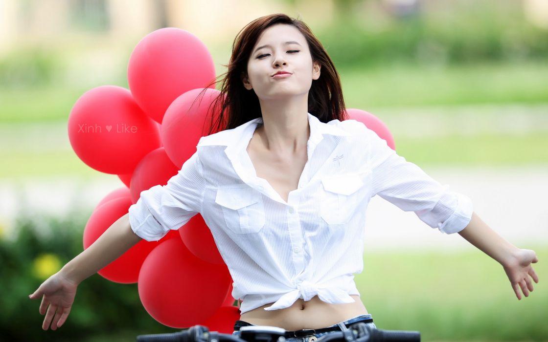 balloon mood emotion bokeh asian oriental style models brunette face lips pose women female girl babes sensual sexy wallpaper