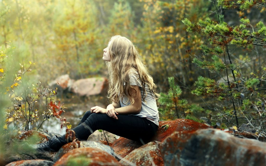 mood emotion alone trees forests nature blonde photography model women female girl wallpaper