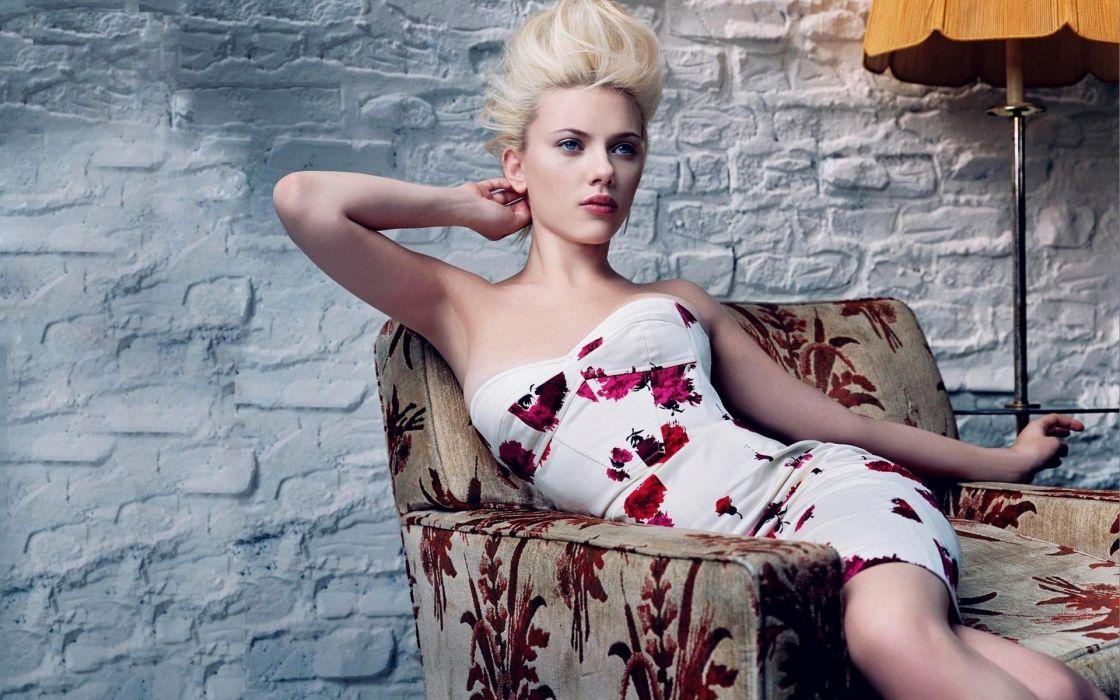 scarlett johansson actress celebrities style fashion sexy sensual babes dress chair furniture lamp light pose blondes pose women females gils wallpaper