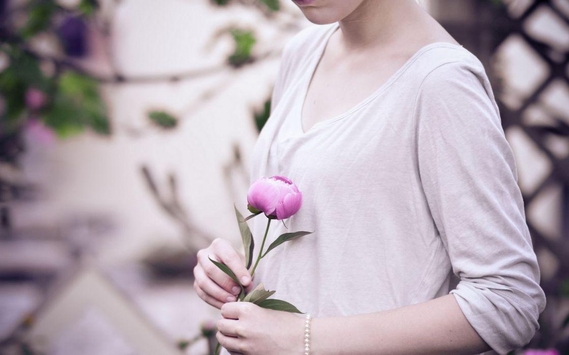 soft flowers mood emotion love romance women females girls pose valentines  wallpaper