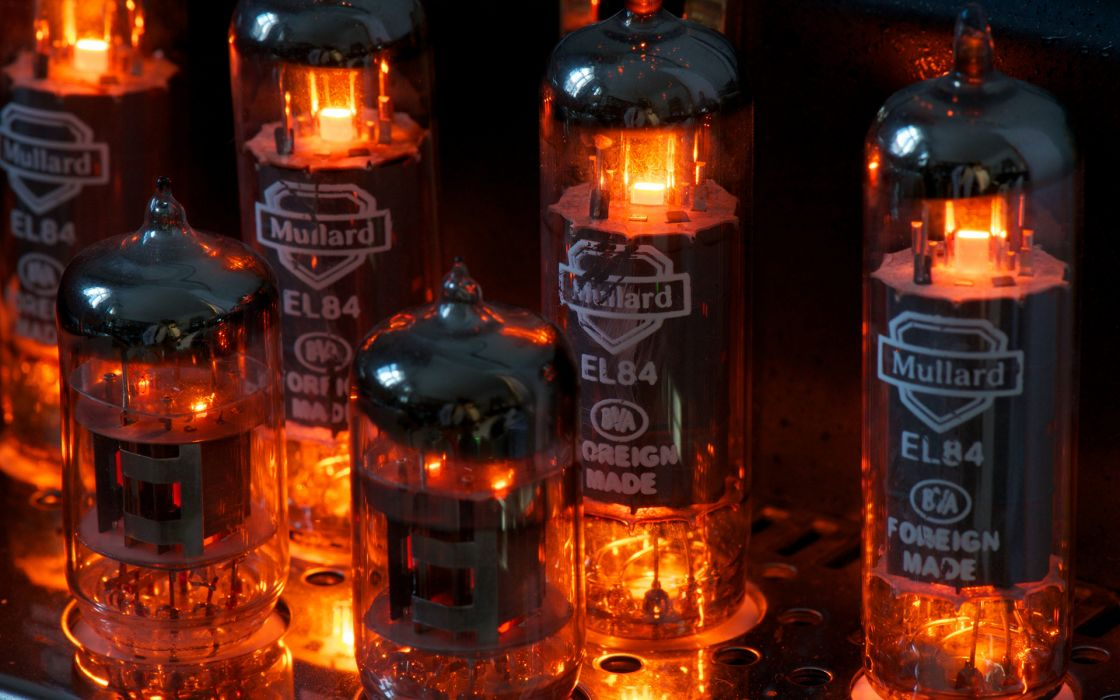 Vintage retro old tubes electricity light color amplifier vacuum power photography stereo music tech mech wallpaper