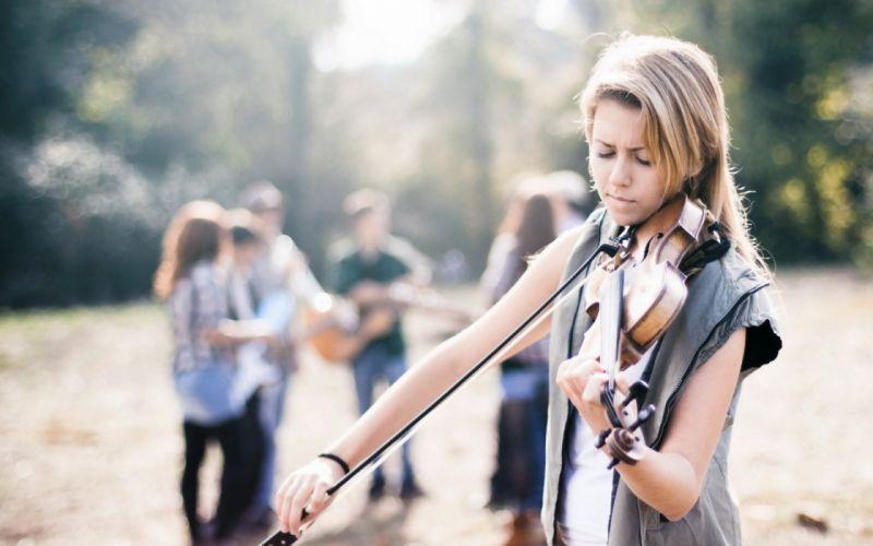 entertainment music violin strings park women females girls mood blonde musical instrument wallpaper