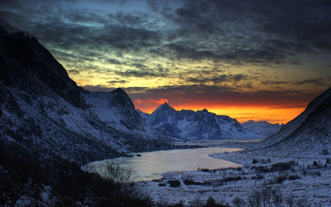 nature landscapes lakes mountains winter seasons snow cold frost plants shrubs sky clouds sunset sunrise color wallpaper