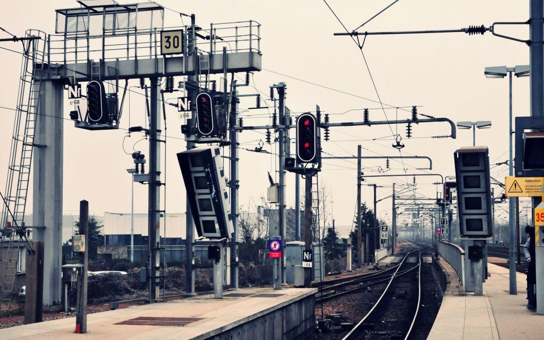 vehicles train railroad rails tracks station platform signs lights mech tech sky architecture structure wallpaper