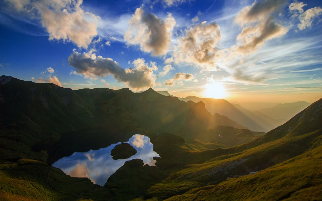 nature landscapes mountains lakes water reflecrion sunrise sunset sky clouds scenic sunlight sunbeams wallpaper
