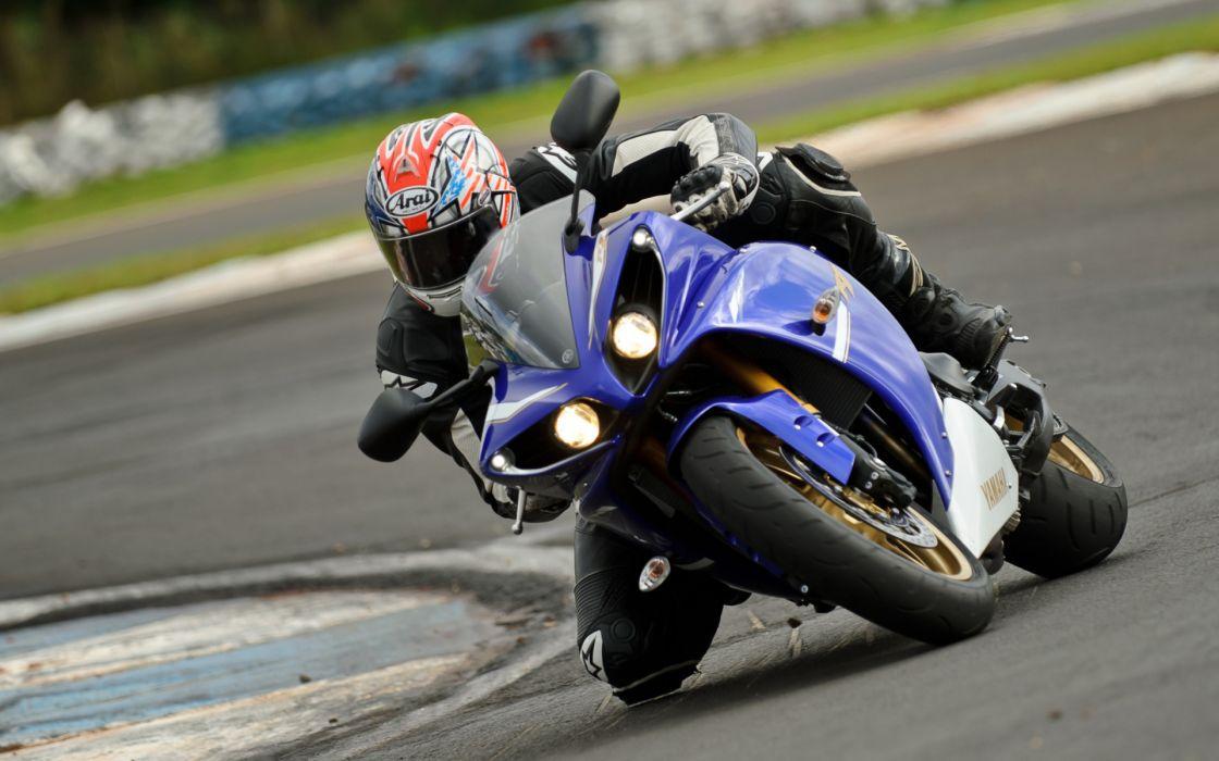 yamaha vehicles motorcycles motorbikes bike racing race track sports superbike wallpaper