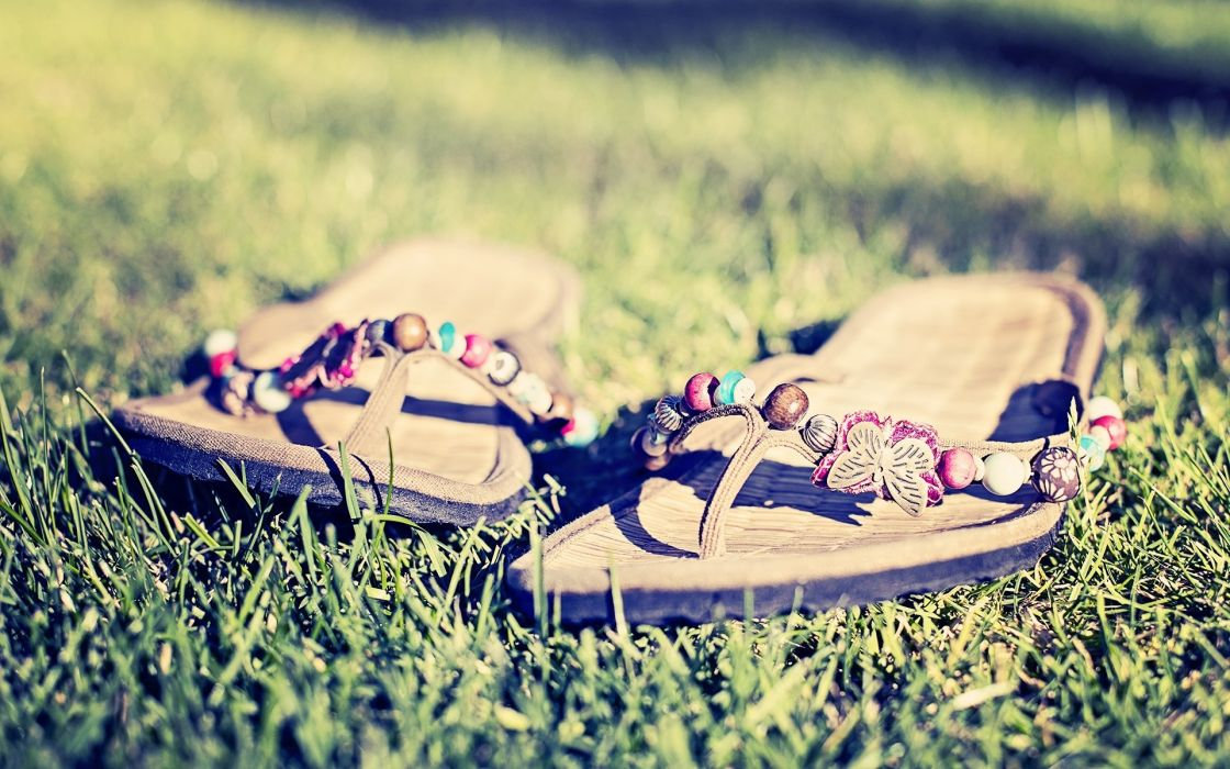 bokeh mood photography grass relax sandals foot wallpaper
