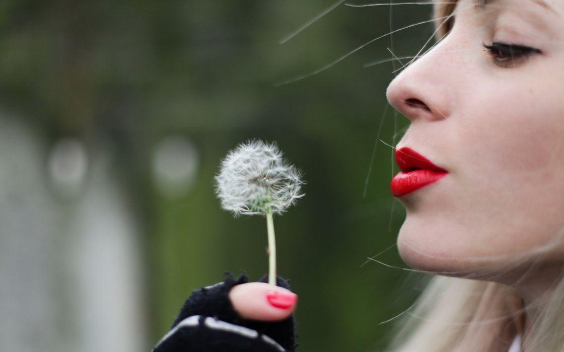 bokeh mood emotion dandelion women females girls models blondes face eyes lips makeup lipstick wallpaper