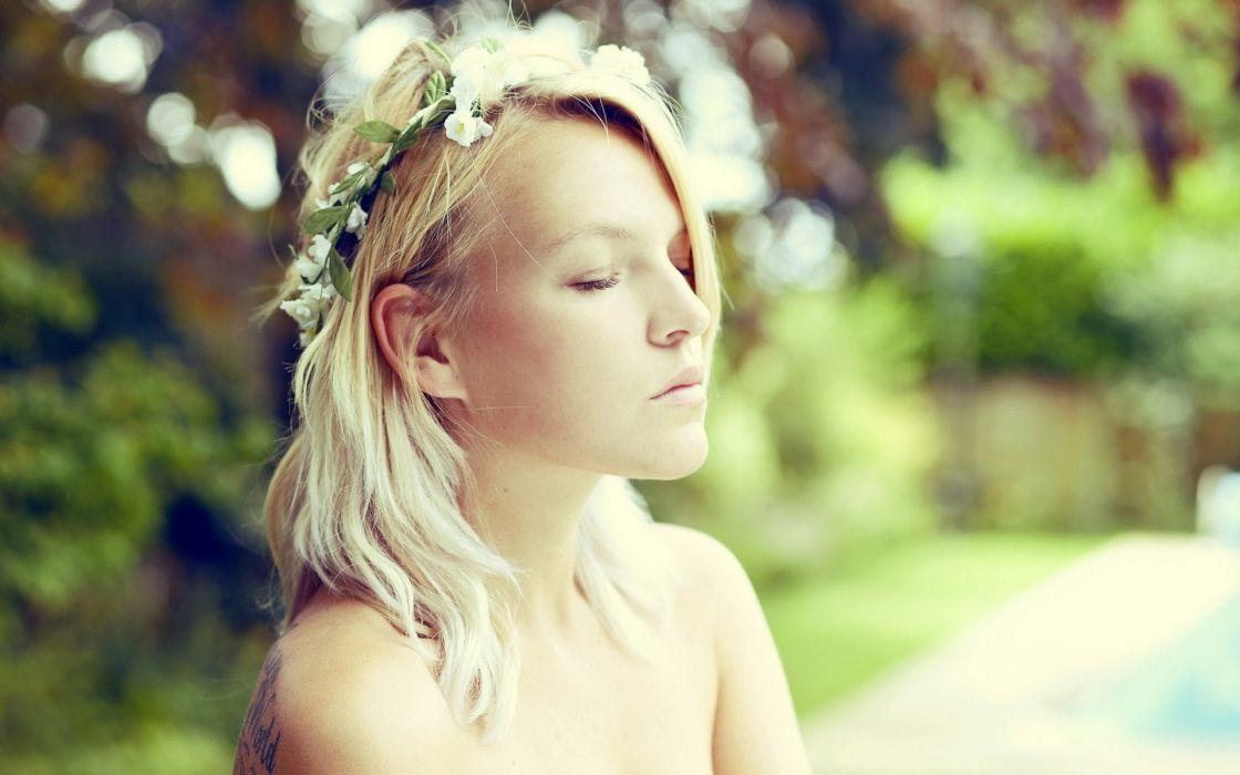 Blondes women models people closed eyes wallpaper