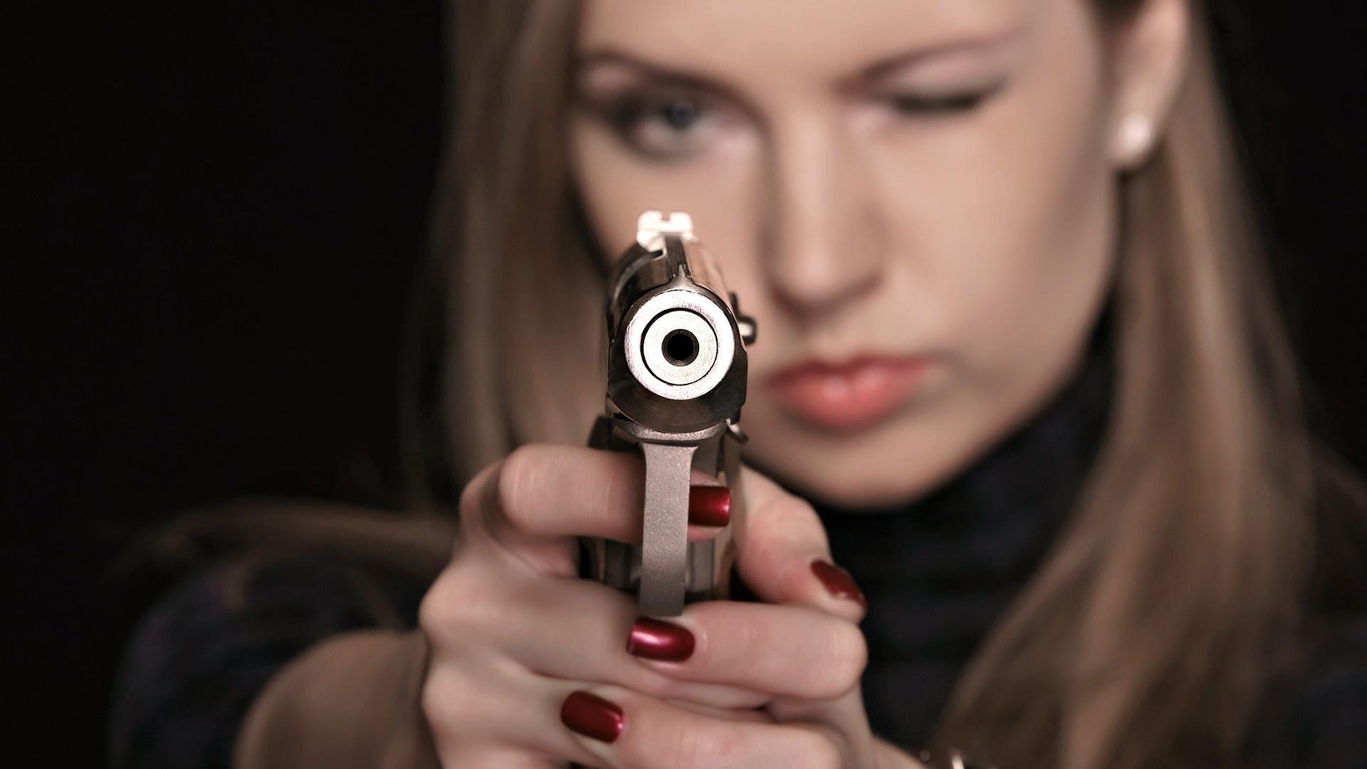 Sexy Wemen Schusswaffen