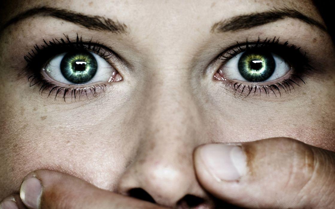 dark horror mood women face eyes wallpaper