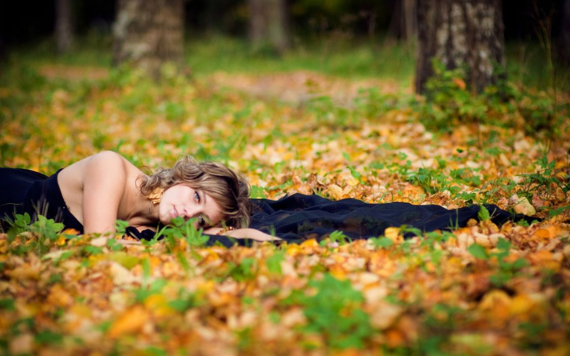 women mood model brunette autumn fall wallpaper