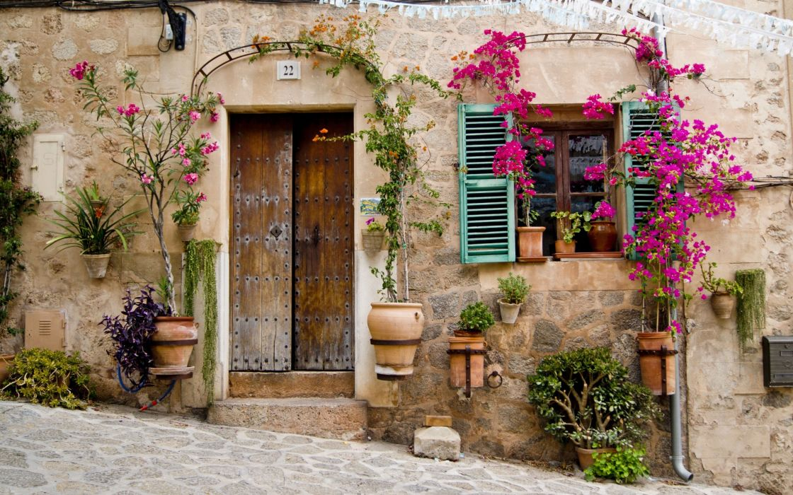 Provence Mallorca buildings stoop door window flowers wallpaper
