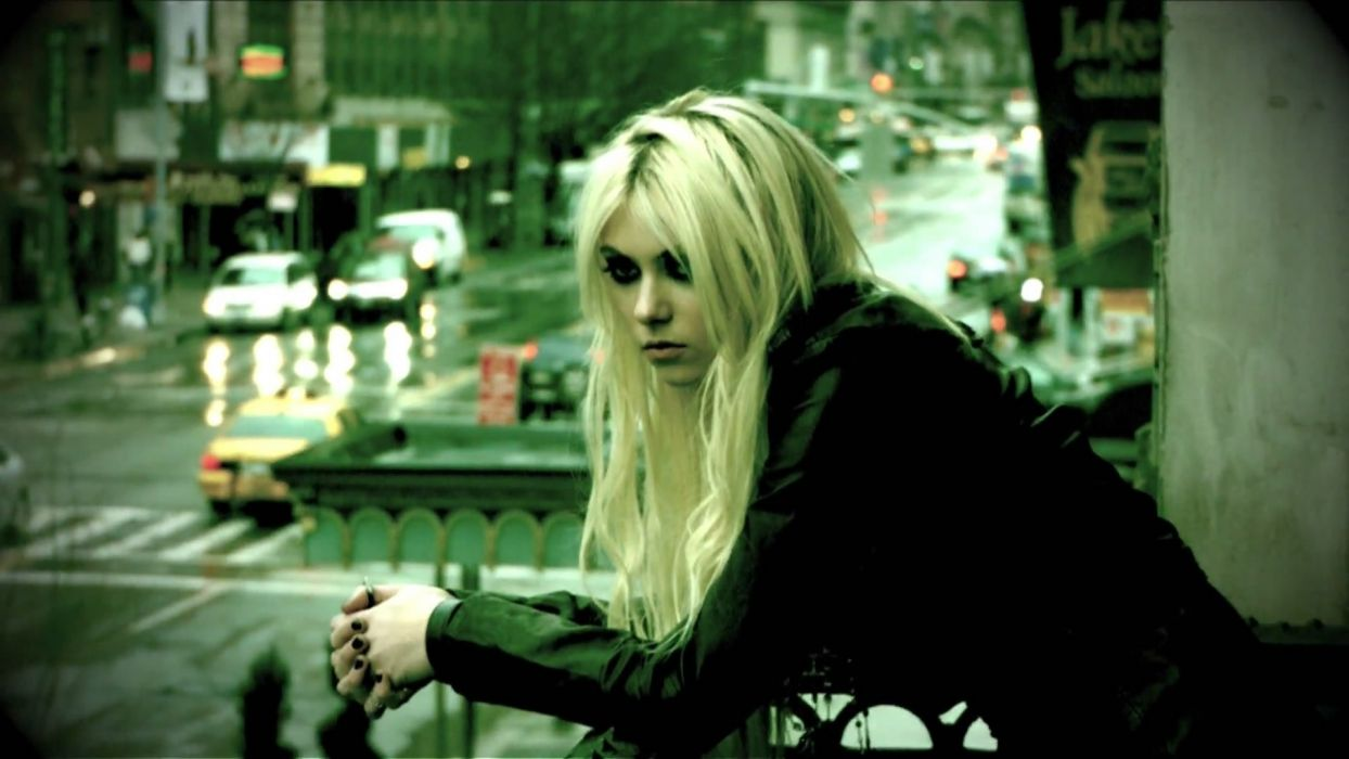 blondes gothic new york city taylor momsen rock music 1920x1080 wallpaper Entertainment Music HD wallpaper