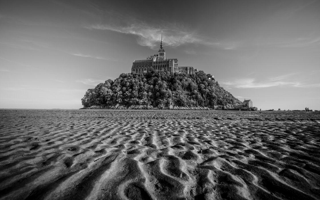 Mont Saint-Michel BW Sand Buildings black white sky castles wallpaper