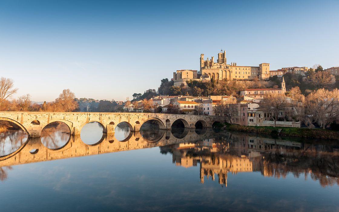 L'Orb passant sous le Pont Vieux a Beziers cities buildings bridges rivers wallpaper