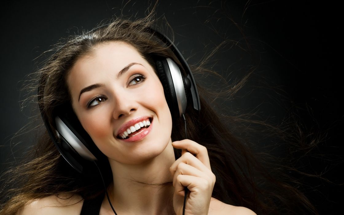 headphones face mood happy fun women brunettes babes wallpaper