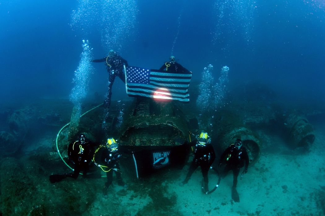 mia pow monument grave people scuba sports military aircraft ocean flags underwater wallpaper