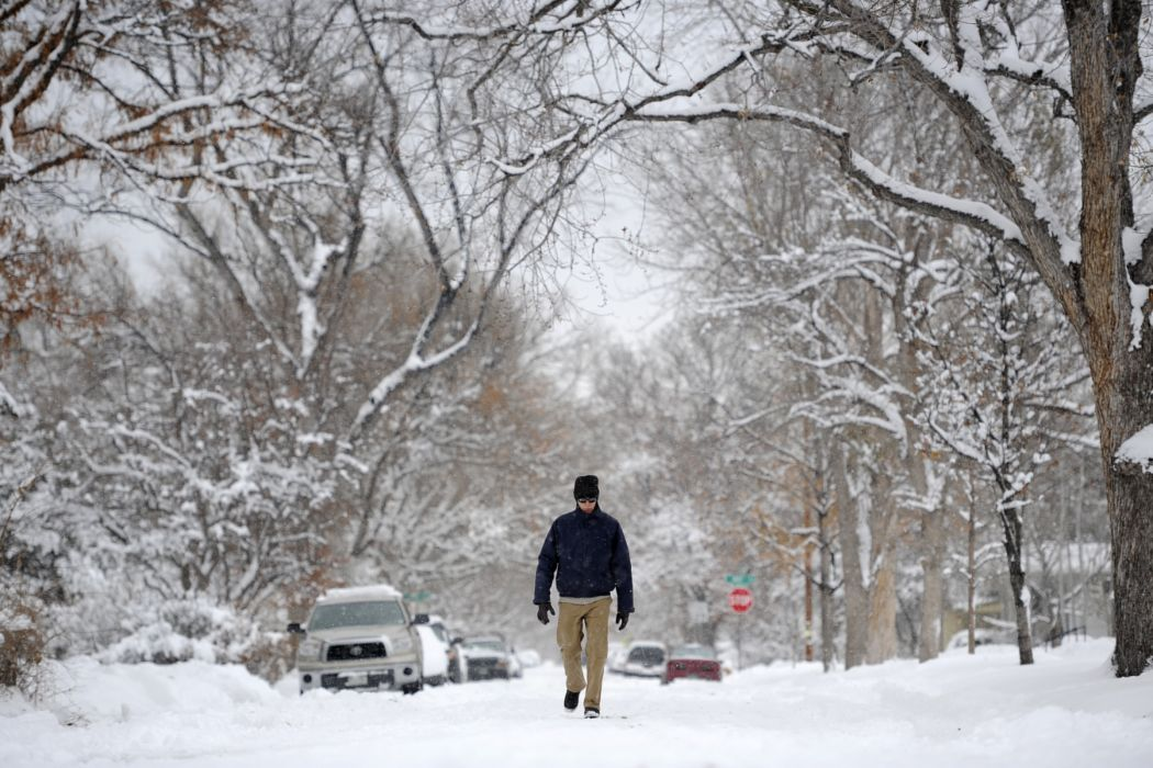 cities landscapes winter snow people mood trees wallpaper