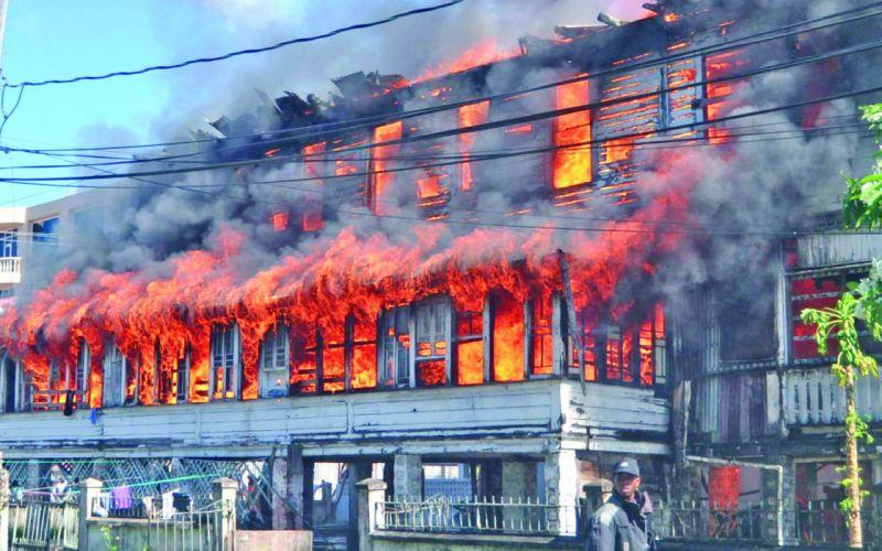 buildings fire flames smoke destruction disaster photography wallpaper