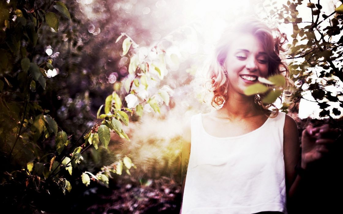 women model blondes mood happy smile face babes leaves trees sunlight sillhouette wallpaper