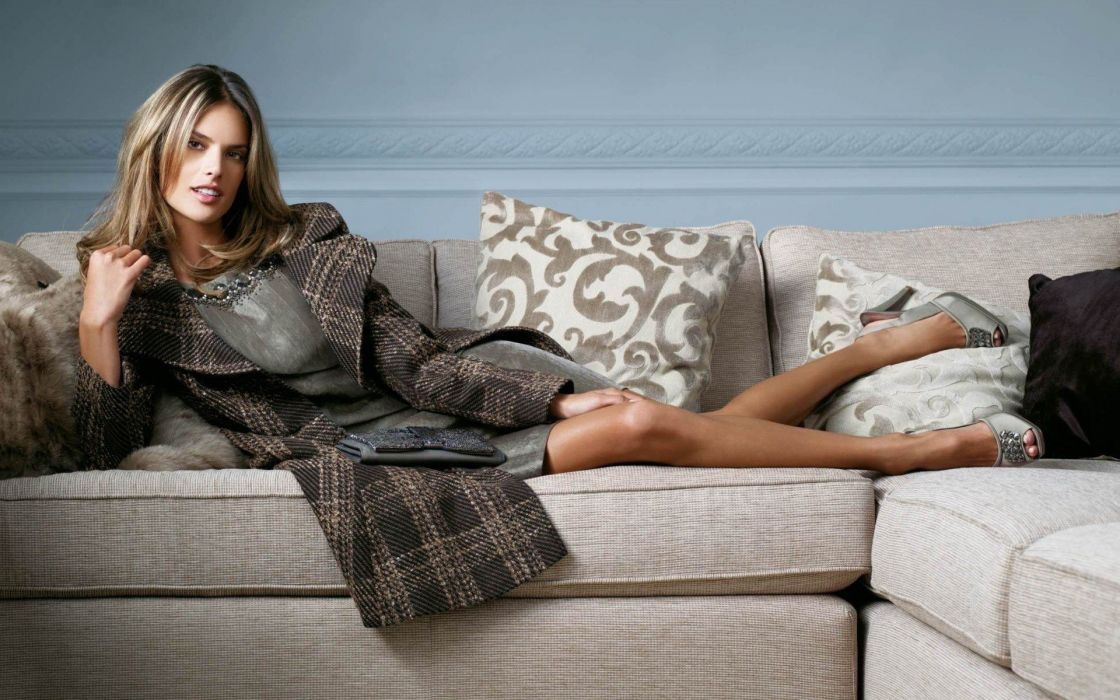 Alessandra Ambrosio model women brunette fashion sexy babes wallpaper
