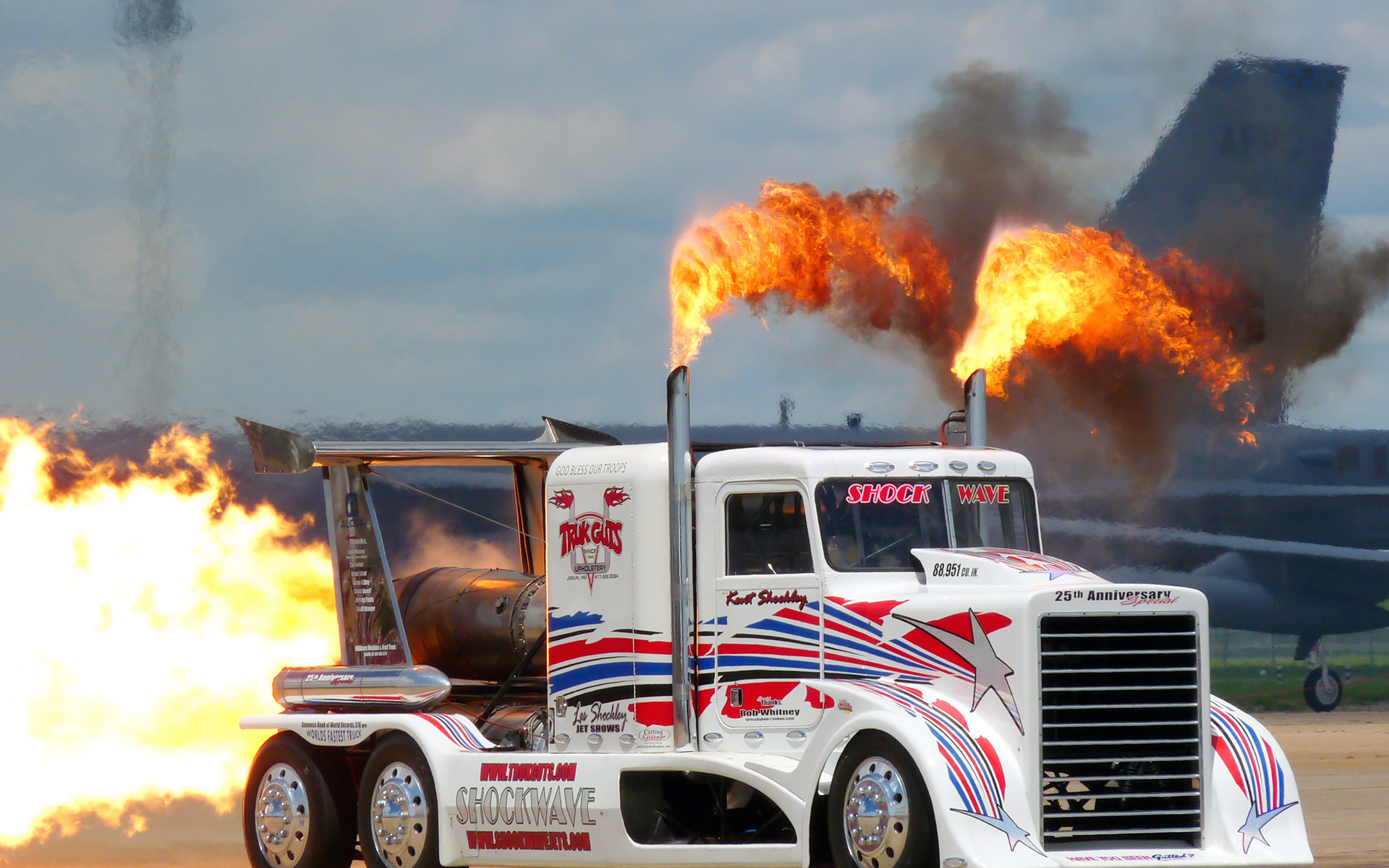 Trailer wallpaper displaying 14 images for tractor trailer wallpaper