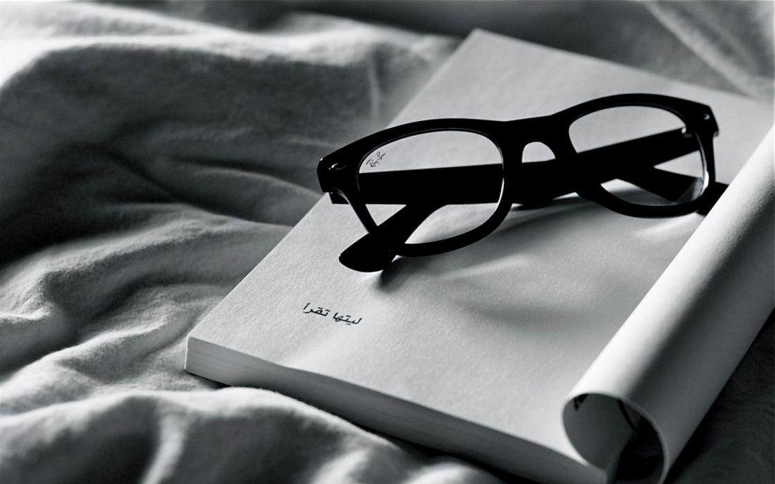 books glasses bokeh black white wallpaper