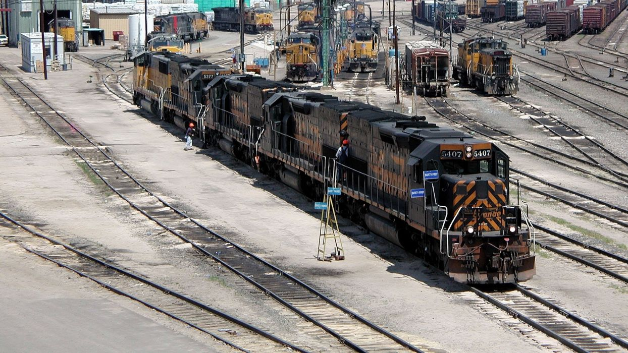 railroad engine locomotive tracks wallpaper