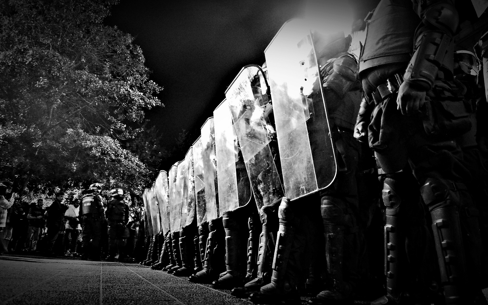 police swat black white bw people anarchy riot weapons wallpaper