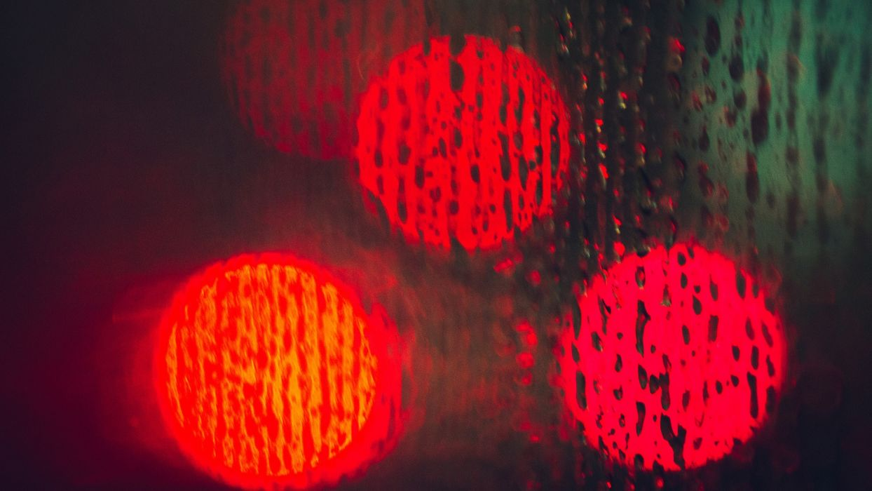 traffic lights abstract red sphere circle round drops rain storm wallpaper