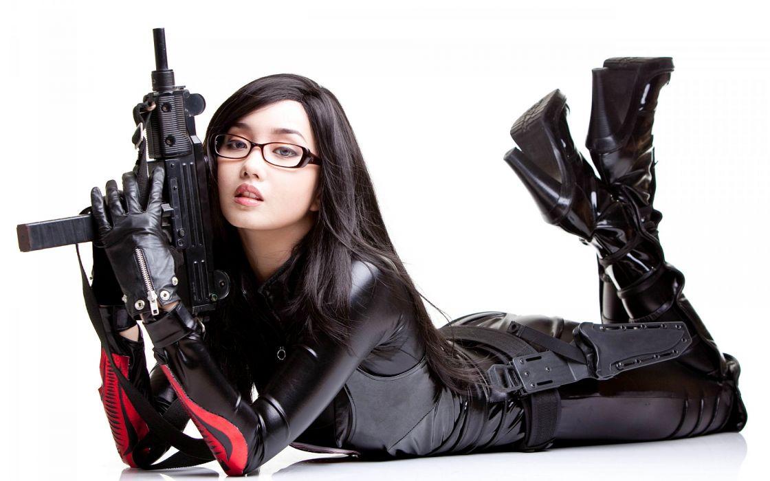 Alodia Gosiengfiao Filipina cosplay model artist actress recording artist women models brunettes sexy abes weapons machine guns wallpaper