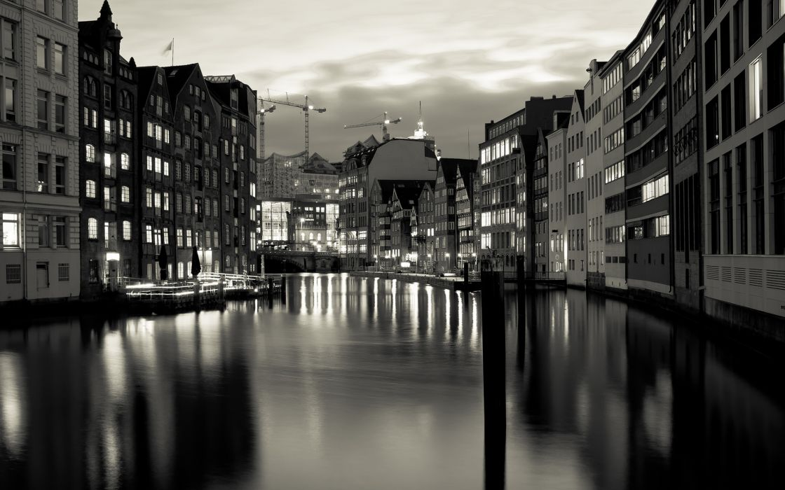 Buildings Canal BW wallpaper