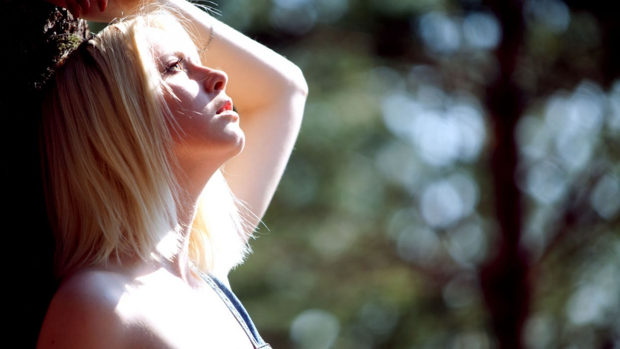 mood emotion women models blondes sexy babes sunlight trees forest woods nature wallpaper