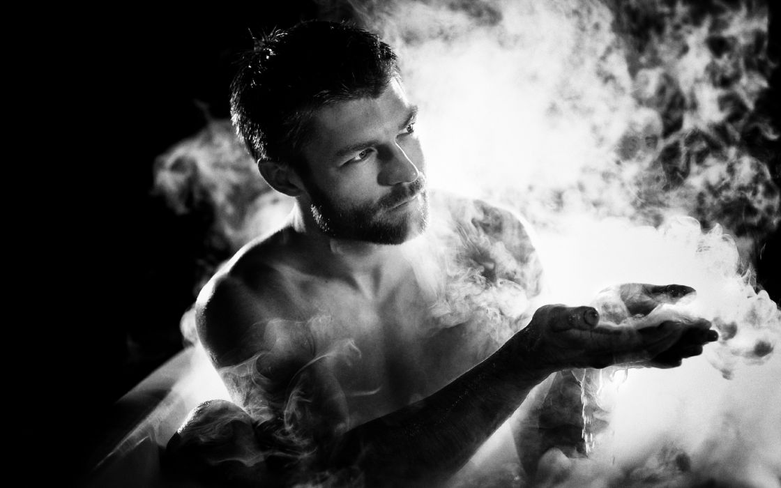 1 SPARTACUS LIAM McINTYRE men males actors monochrome black white smoke sexy handsome hunks wallpaper