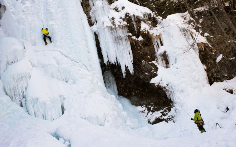 people extreme climbing nature landscapes ices waterfall rivers winter wallpaper