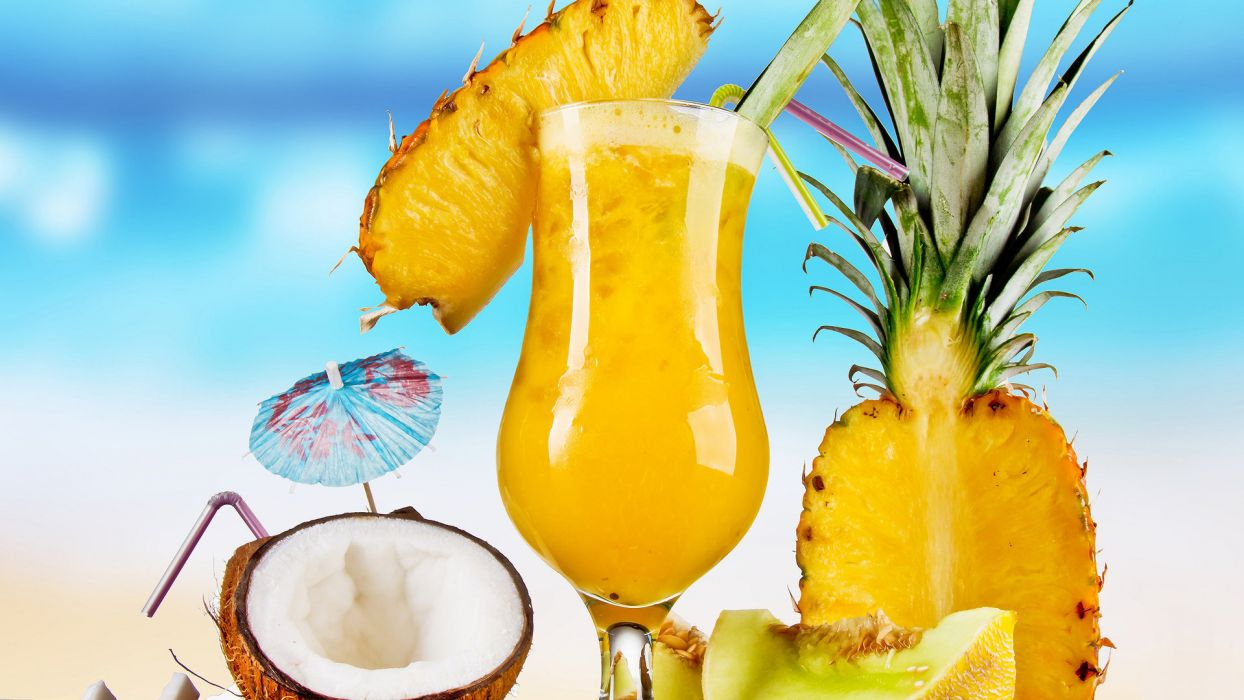 Coconut and Pineapple Cocktail drinks wallpaper