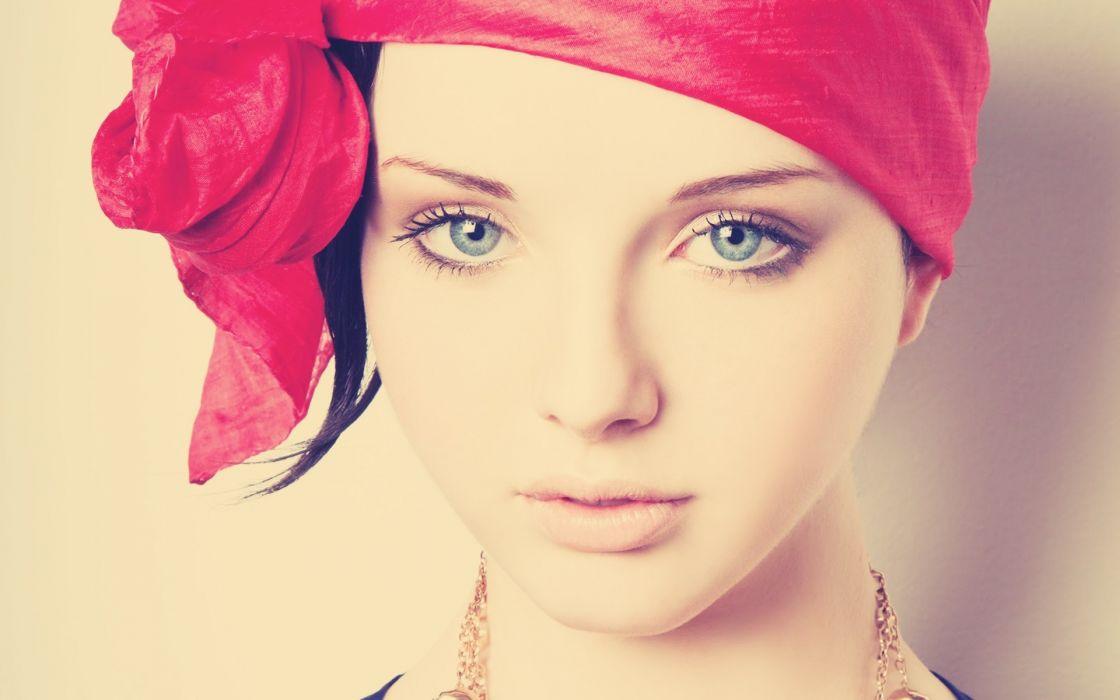 Iona Rose music singer pop women girls females babes face eyes pov wallpaper