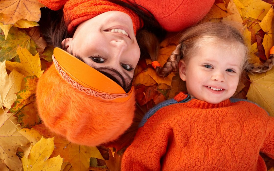fall atumn leaves style orange women females girls babies children mood happy smile cute models babes face eyes pov wallpaper