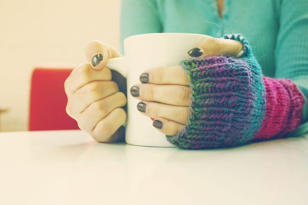 hands bokeh coffee mood wallpaper