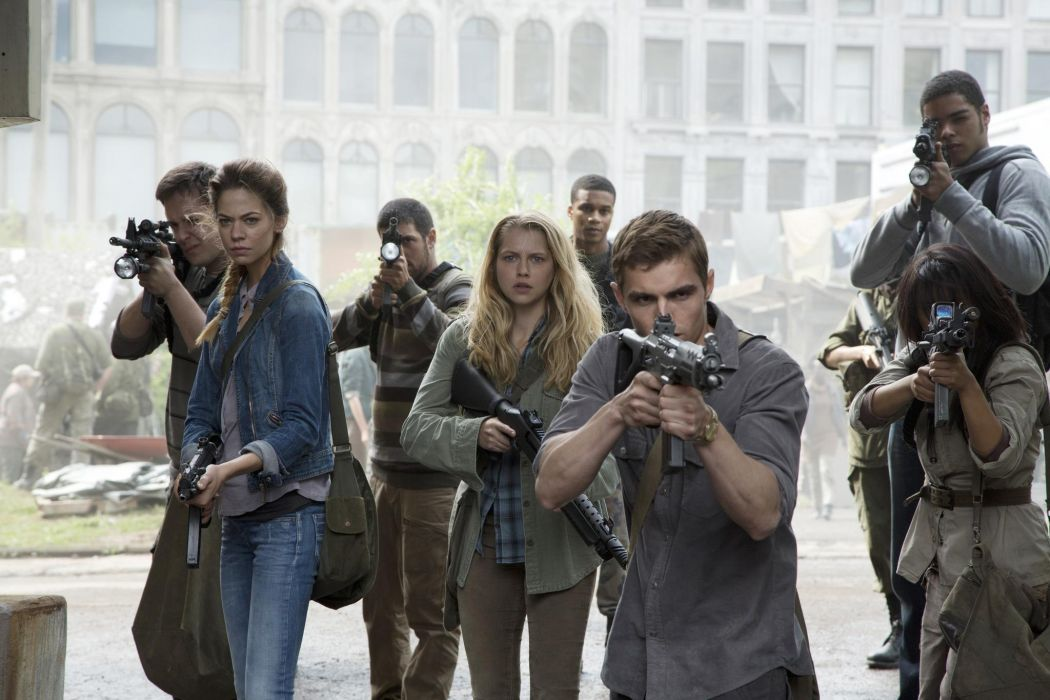 Warm Bodies Teresa Palmer Dave Franco Analeigh Tipton dark horror zombies weapons guns wallpaper