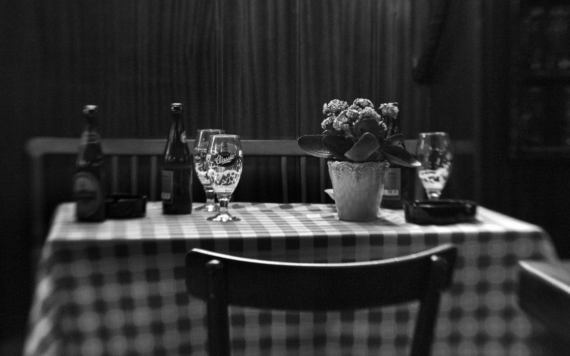 Restaurant BW Table Bottle Beer Alcohol room glass still life furniture drinks flowers vase black white vase wallpaper