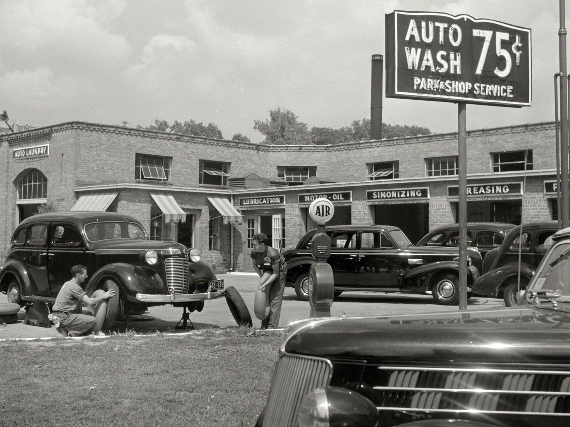 vintage mechanic garage | Storefront Inspiration | Pinterest ...