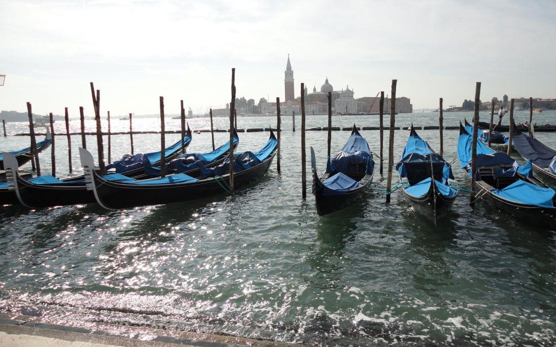 gandola marina water boats ships cities skyline cityscape bay beaches sky buildings architecture wallpaper