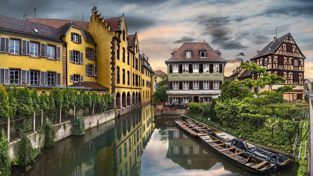colmar france town village architecture houses buildings hdr canal waterway water reflection sky. Black Bedroom Furniture Sets. Home Design Ideas