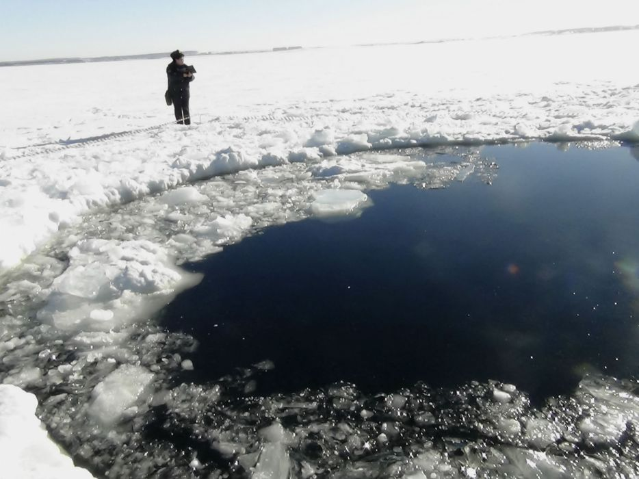 meteor russia 2013 ices sea ocean lakes winter disaster crater wallpaper